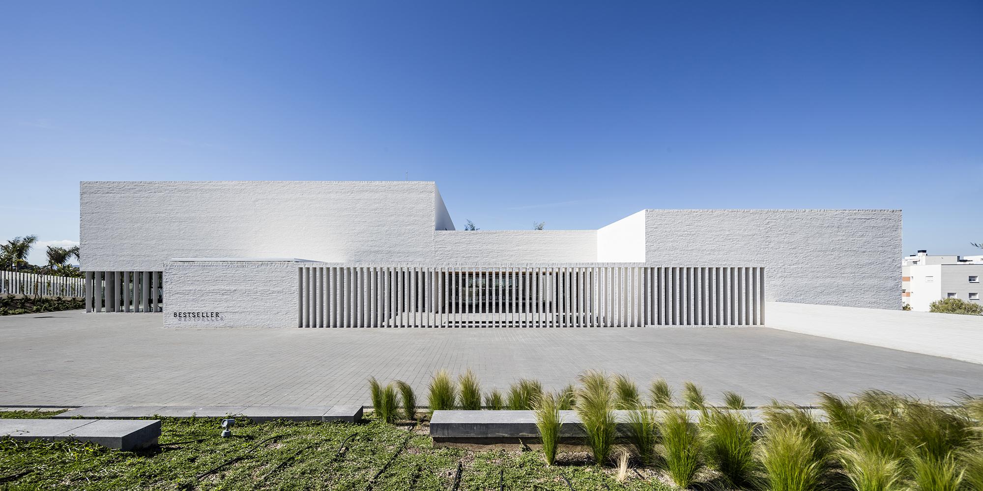 Nueva sede de BestSeller Málaga diseñado por MEHR studio