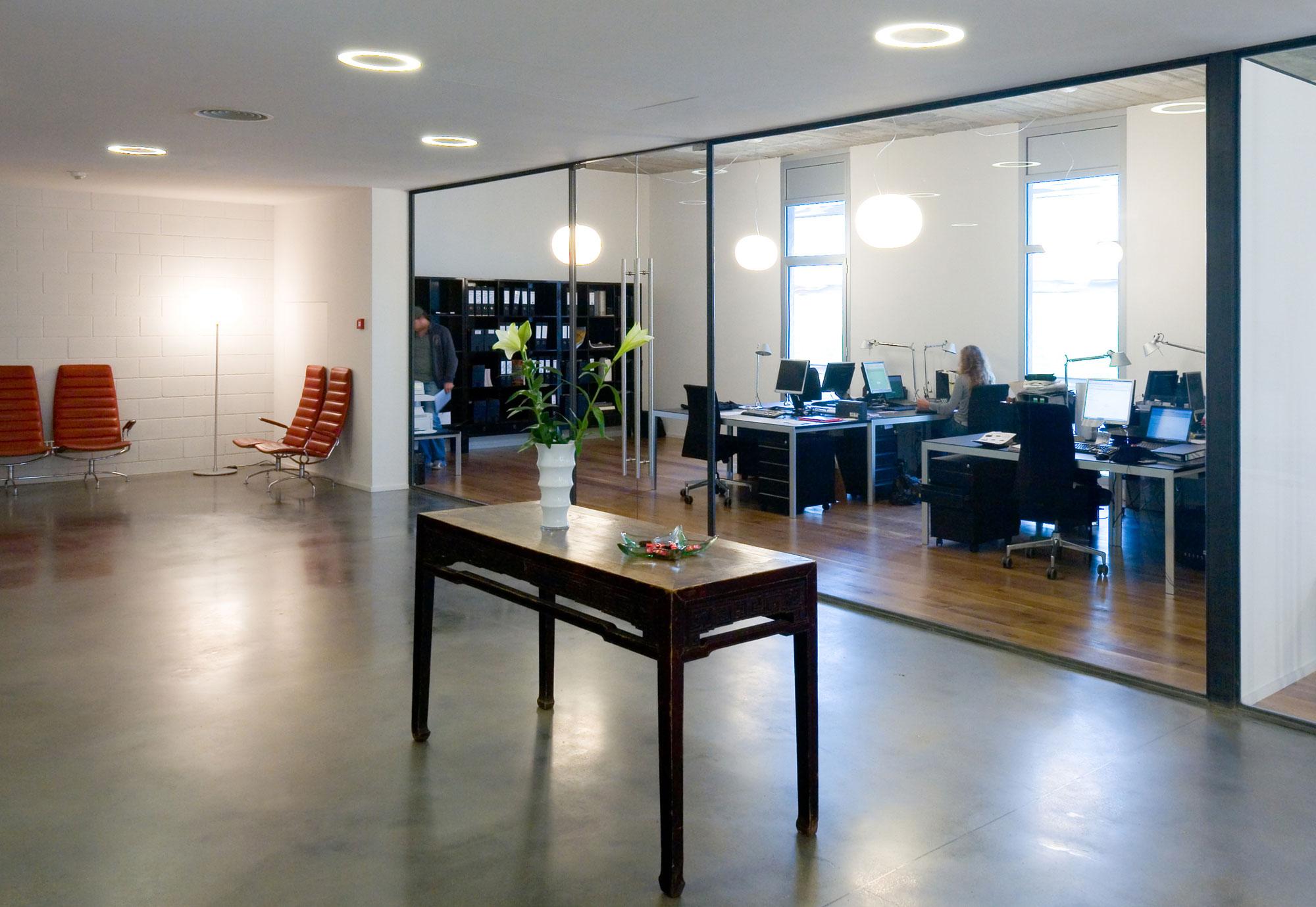Showroom y oficinas de BestSeller Barcelona, diseñado por MEHR studio
