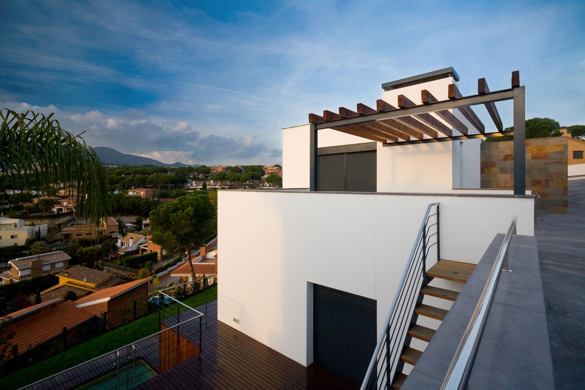 Casa A, moderna vivienda unifamiliar, diseñada por Mehr Studio