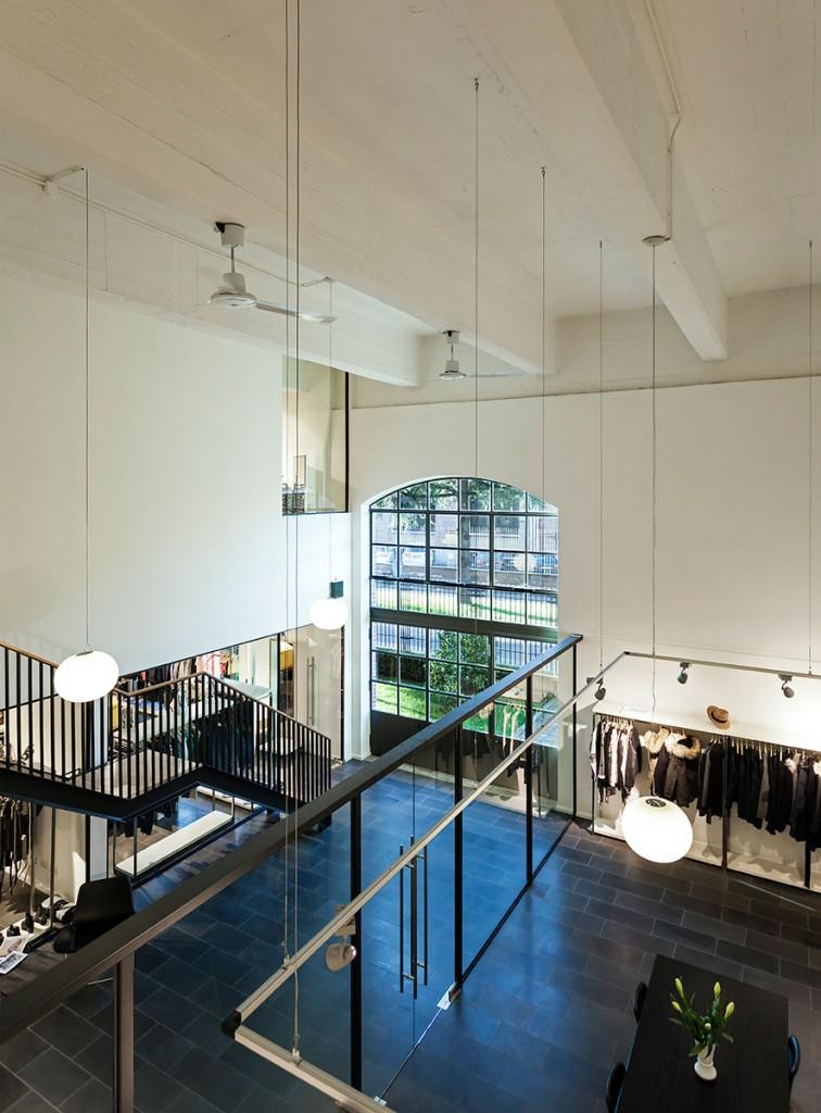 Vista del showroom Bestseller Milano diseñado por MEHR studio