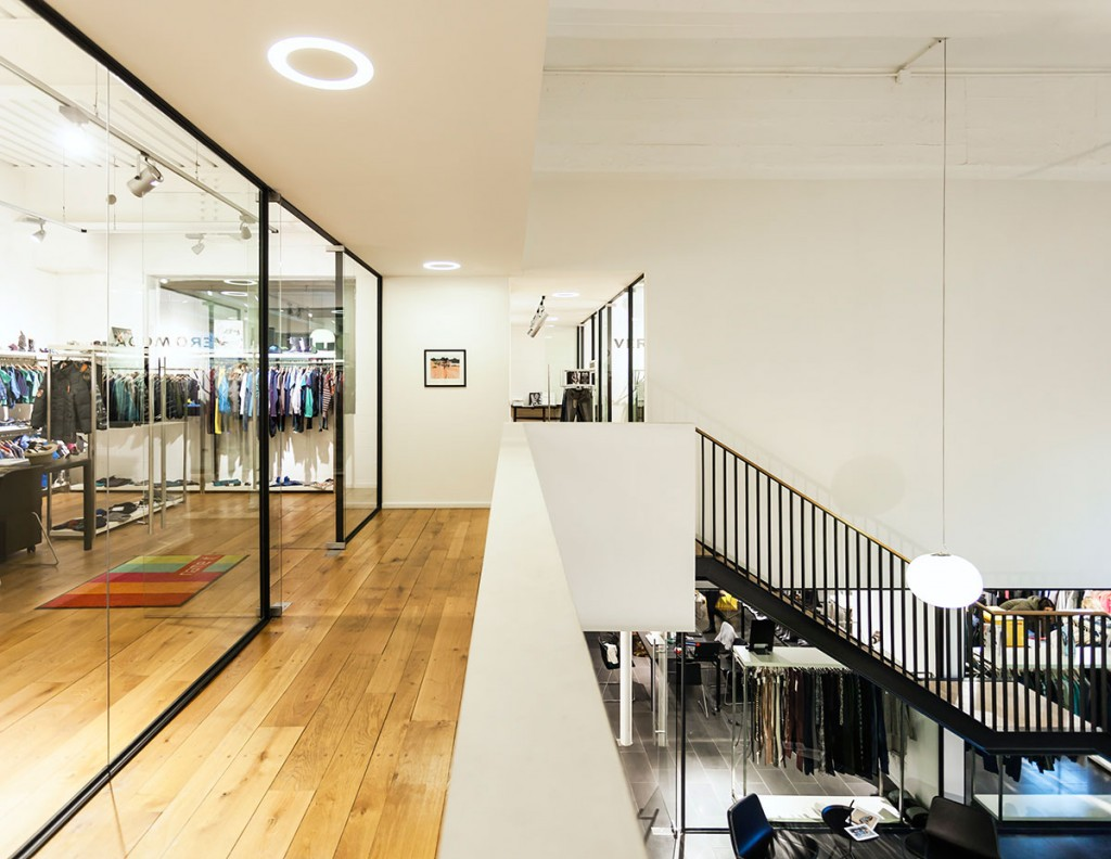 Segunda planta principal del showroom Bestseller Milano diseñado por MEHR studio