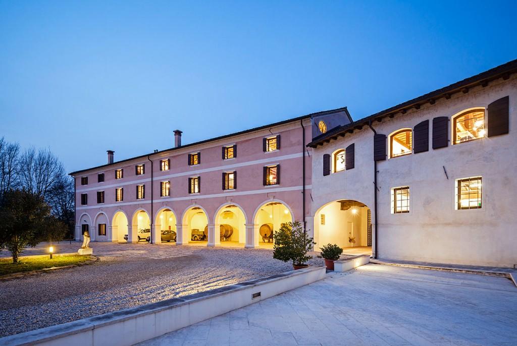 Showroom y oficinas de BestSeller Treviso, diseñado por MEHR studio