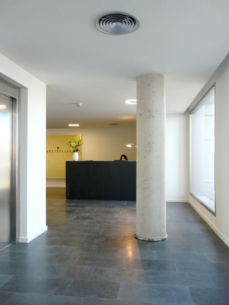 Showroom de Bestseller Valencia diseñado por MEHR studio