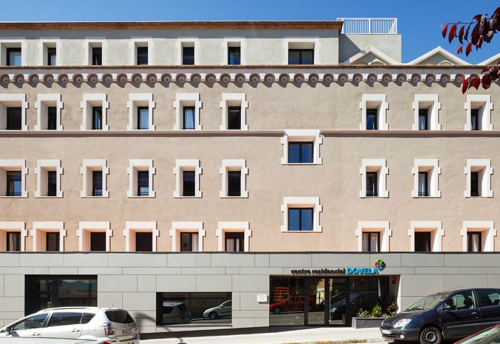 Residencia para Gente grande, ejemplo de arquitectura funcional moderna, diseñado por MEHR studio